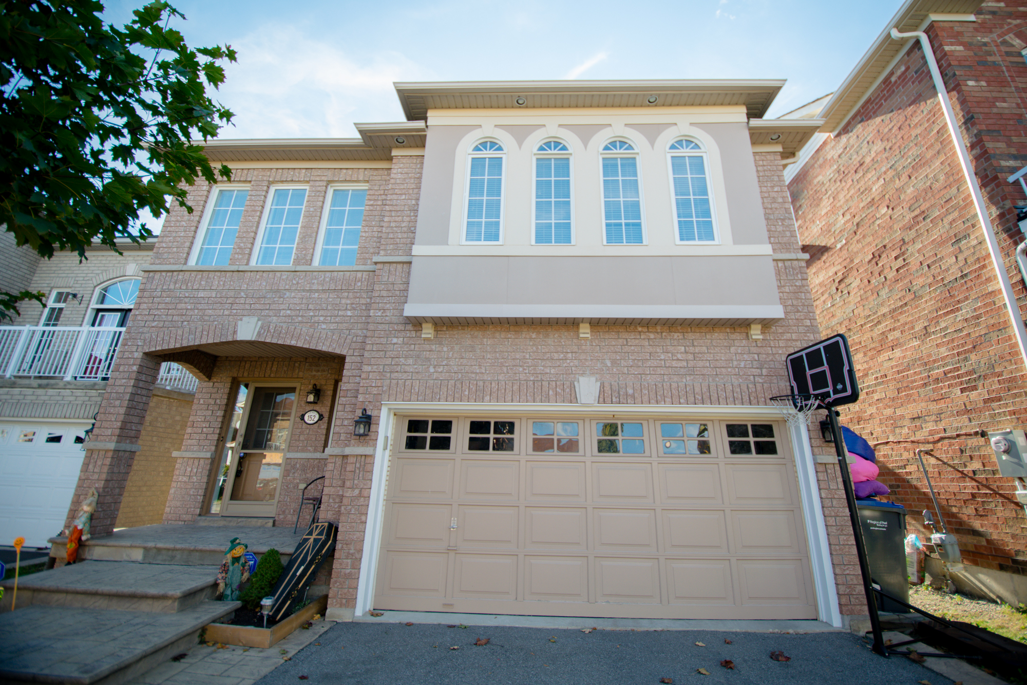 152 Queen Mary Drive – Brampton