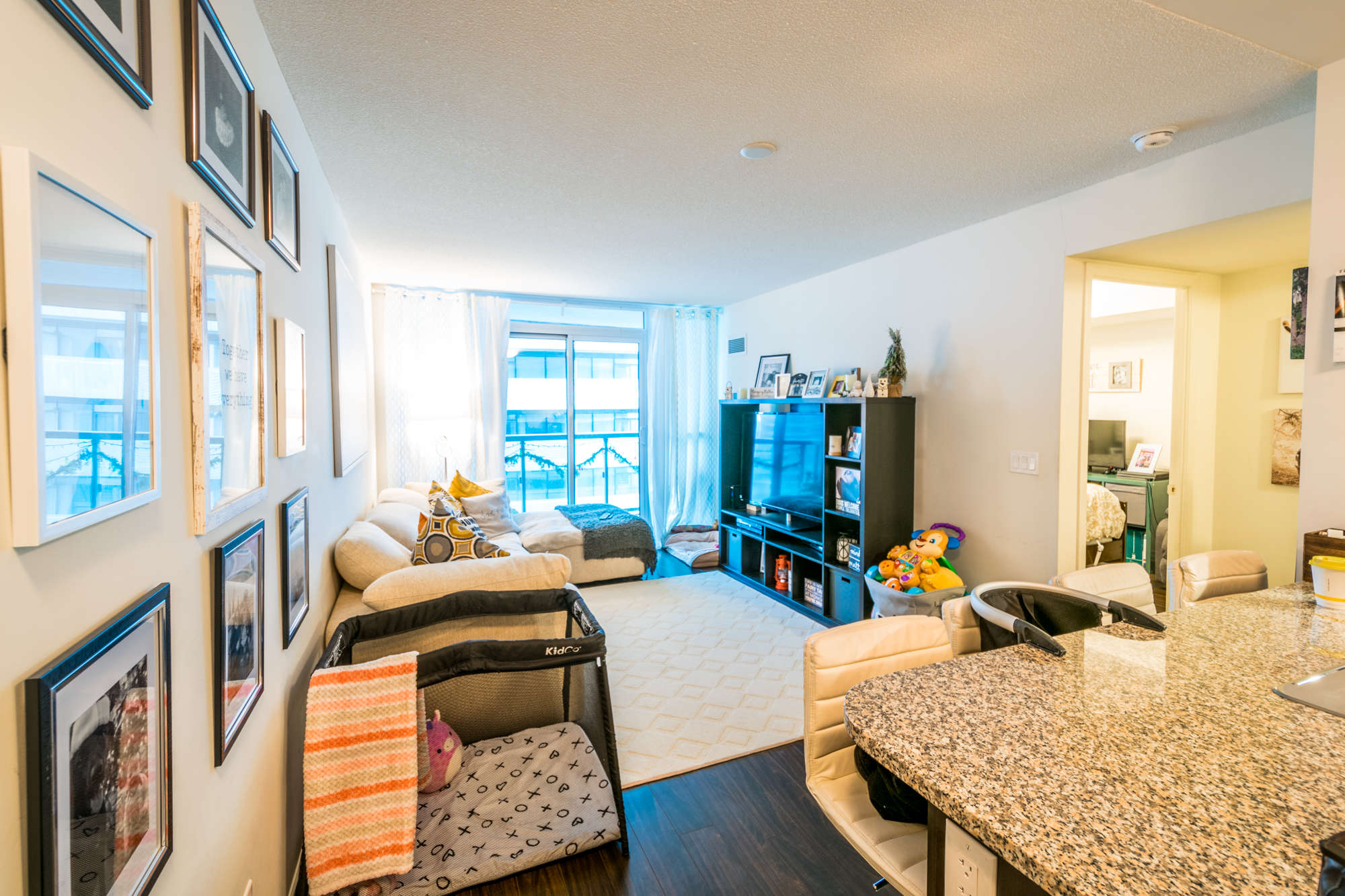 2807-19 Grand Trunk Cres – Toronto, ON