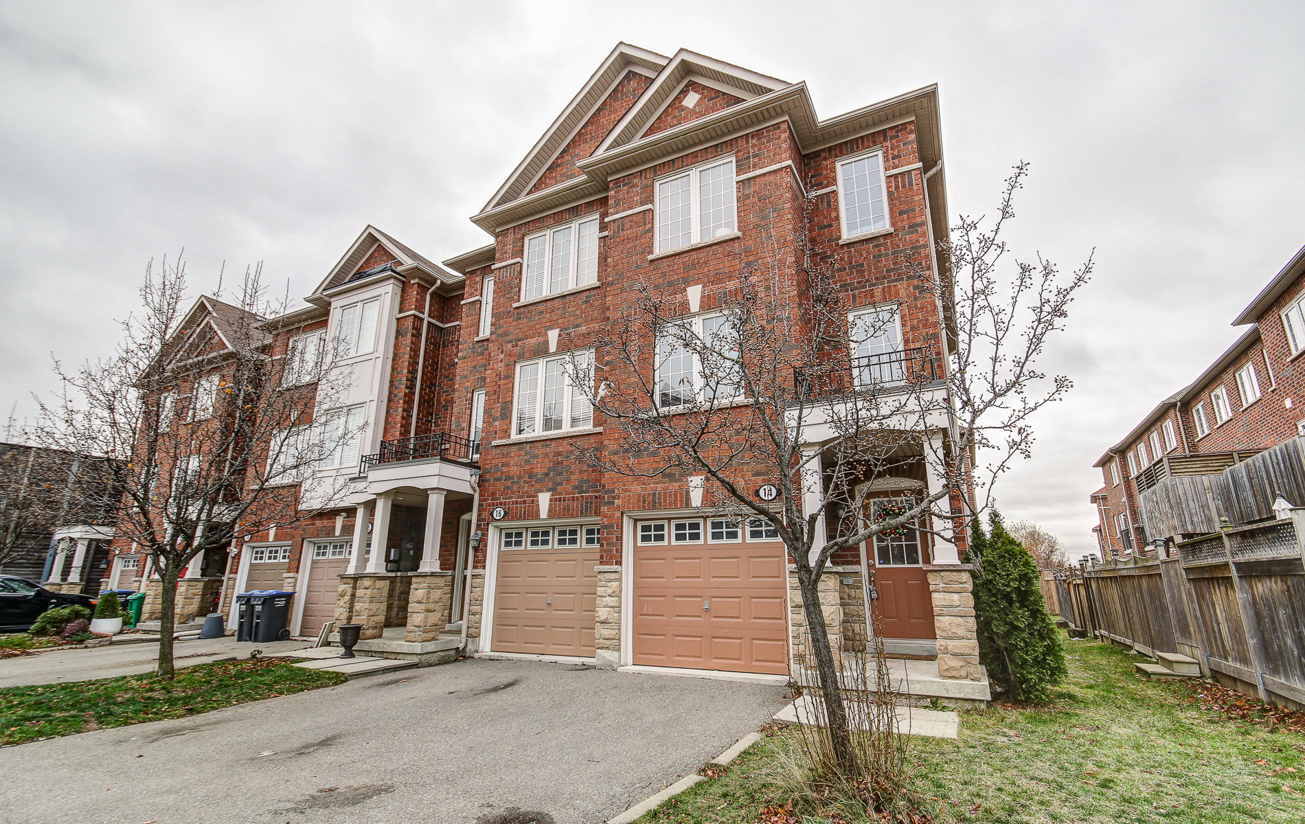 14 Rock Haven Lane, Brampton